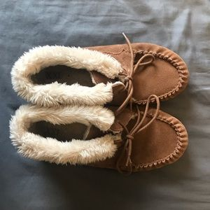 Super cute ankle-height moccasins